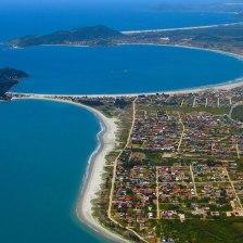 De baixo para cima - Praia do Sonho, da Pinheira e Guarda do Embaú, ao fundo.