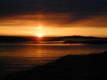 sol-da-meia-noite_19-102708