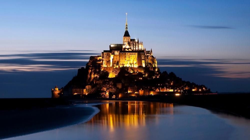 Le_Mont-saint-michel_a_lheure_bleue