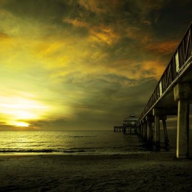 FORT MYERS, Florida, EUA. Visão lateral do pier