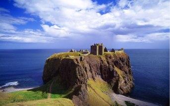 Torre em encosta de Aberdeen, Escócia