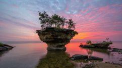 Rochedo no Lago Huron, Michigan (EUA)