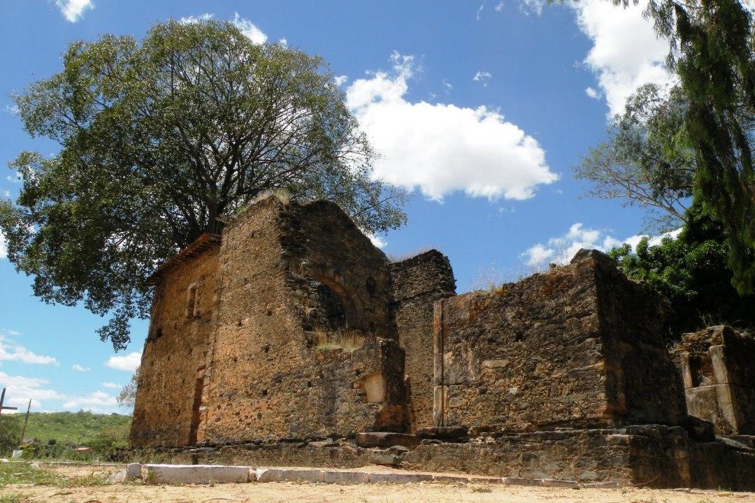Igreja jesuítica em Barra do Guaicuí, MG