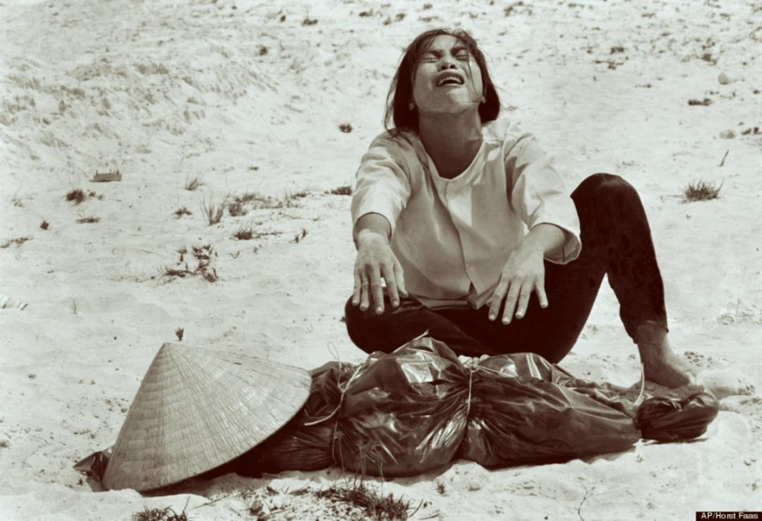 o-VIETNAM-WAR-ASSOCIATED-PRESS-PHOTOGRAPHY-BOOK-900